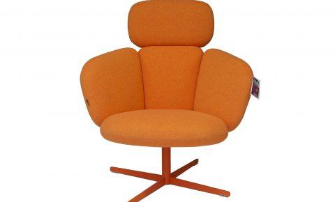 "Artifort ""brass"" easy chair in stof selecte"